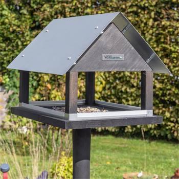 930127-1-voss-garden-vogelvoederhuis-paris-deens-design-met-opstelvoet.jpg