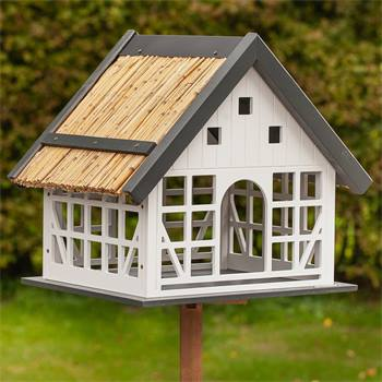 "VOSS.garden ""Lindau"" - groot vogelhuisje in vakwerkstijl, inclusief opstellingspaal"