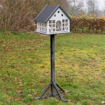 """VOSS.garden vakwerk vogelhuis """"Belau"""" met metalen dak en opstelvoet"""