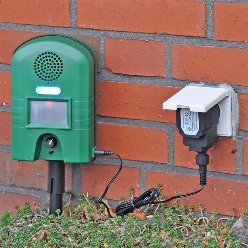 45322-Netzadapter-VOSS.sonic-Sonic2800-Wasserfest-Ausseneinsatz-Praxisbild.jpg