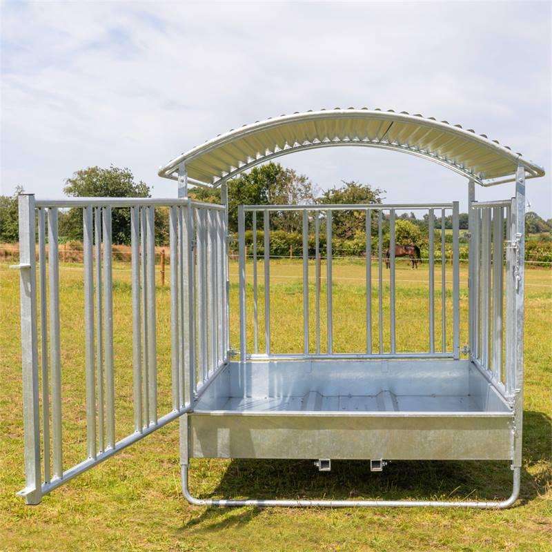 503903-3-kerbl-paarden-vierkante-ruif-hooiruif-ronde-balenruif-met-dak-en-voederrooster-in-hoogte-ve