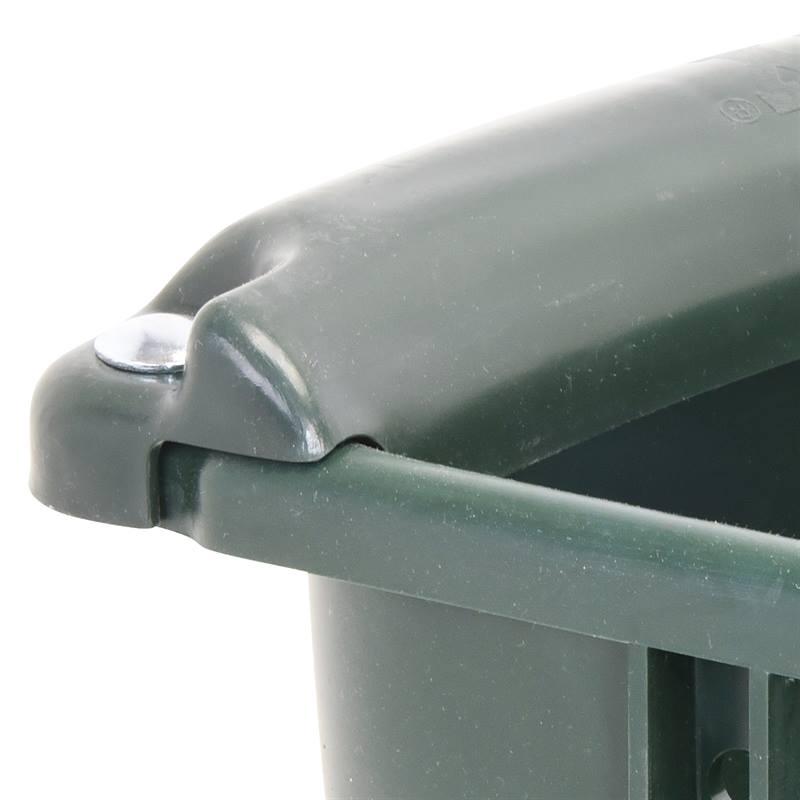 81005-Ecktrog-Futtertrog-Beisskante-Auswurfschutz-geschraubt.jpg