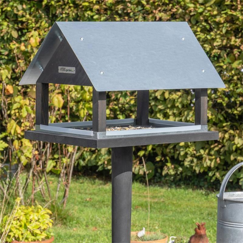 930127-3-voss-garden-vogelvoederhuis-paris-deens-design-met-opstelvoet.jpg