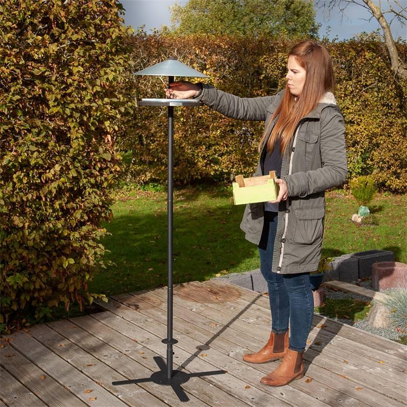 930133-voss-garden-vogelhuis-skagen-deens-design-met-opstelpaal-3.jpg