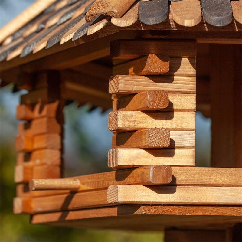 930305-voss-garden-herbstlaub-vogelvoederhuis-uit-robuust-hout-5.jpg