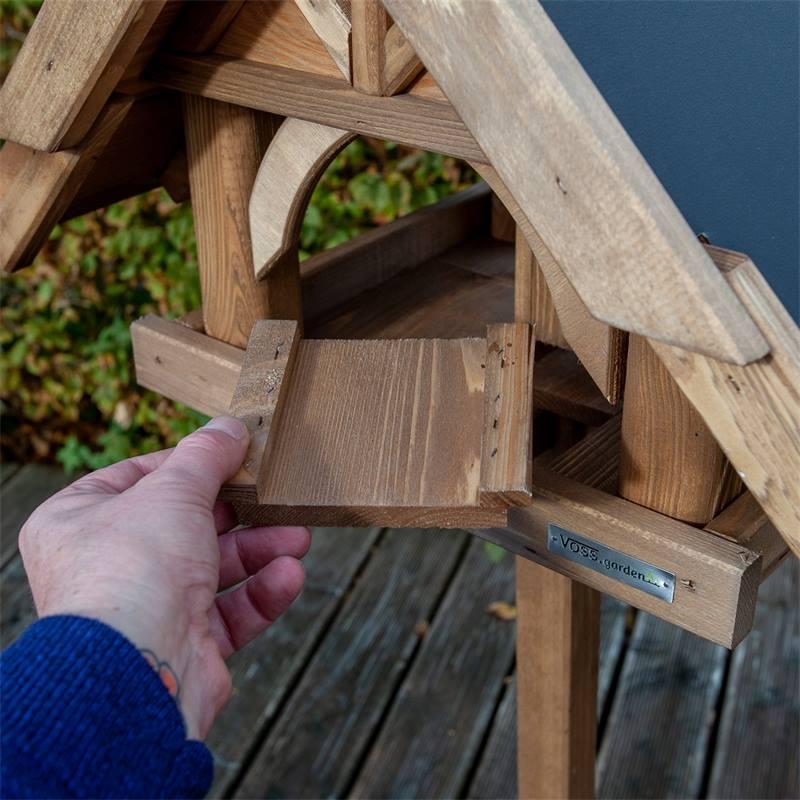 930311-voss-garden-vogelhuis-herte-uit-massieve-hout-met-voet-11.jpg