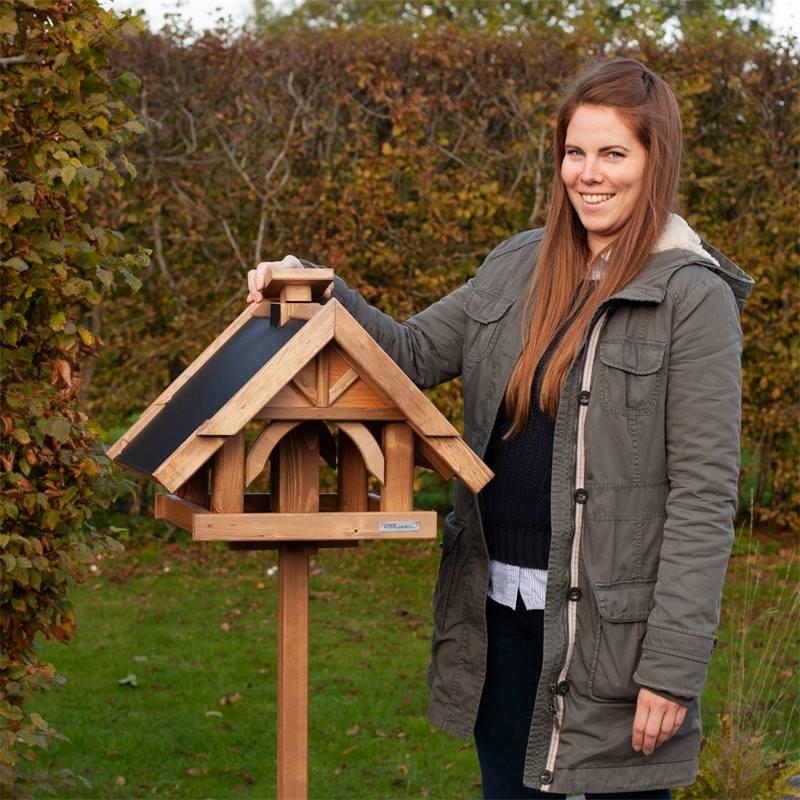 930311-voss-garden-vogelhuis-herte-uit-massieve-hout-met-voet-4.jpg