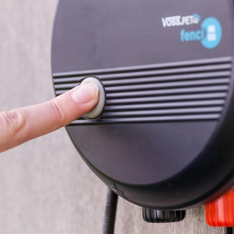 VOSS.PET-Fenci-230V-Elektrozaun-mit-praktischen-Ein-Ausschalter.jpg