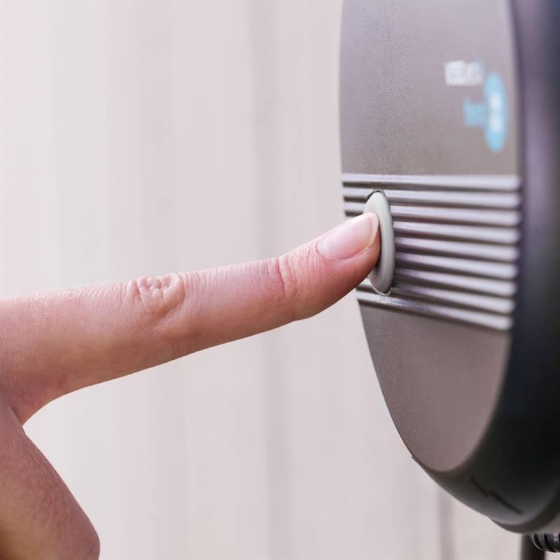 VOSS.PET-Fenci-230V-Elektrozaun-wasserdicht--mit-praktischen-Ein-Ausschalter.jpg